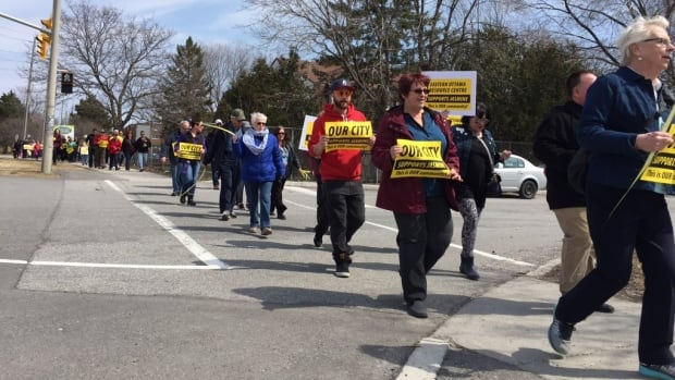 More than one hundred marchers came out Sunday to support of Jasmine Crescent residents. The rally began at Lester B. Pearson High School and it ended with a free barbecue at Gloucester High School.
