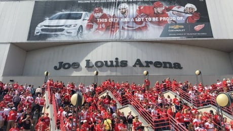Fans say goodbye to the Joe