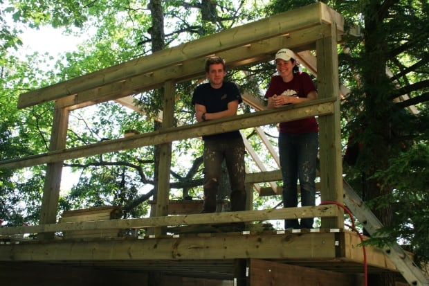 Michelle Dowling building treehouse at OPC
