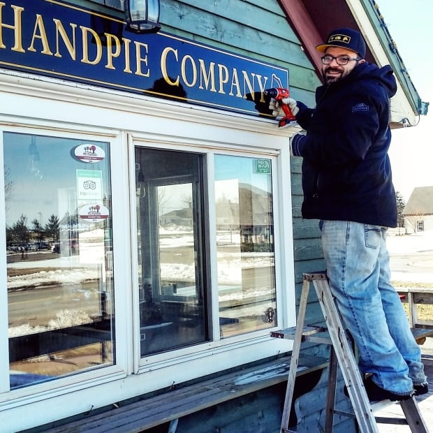 The Handpie Company sign