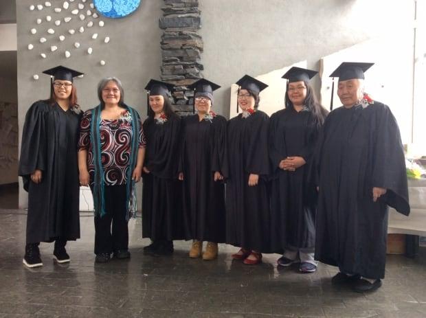 Elisapee Weetaluktuk with graduates Inukjuak