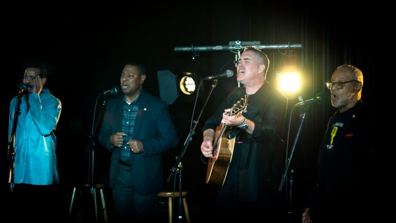 Barenaked Ladies and the Persuasions use a cappella to breathe new