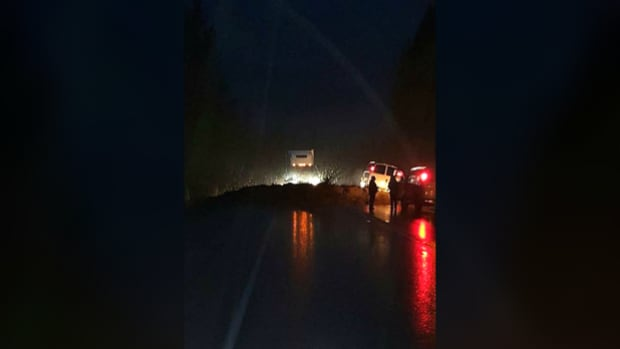 Trans Canada still closed between Sicamous and Salmon Arm