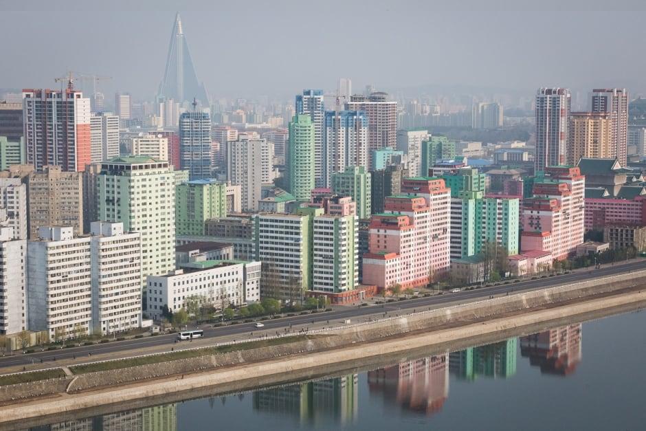 pyongyang dail life building