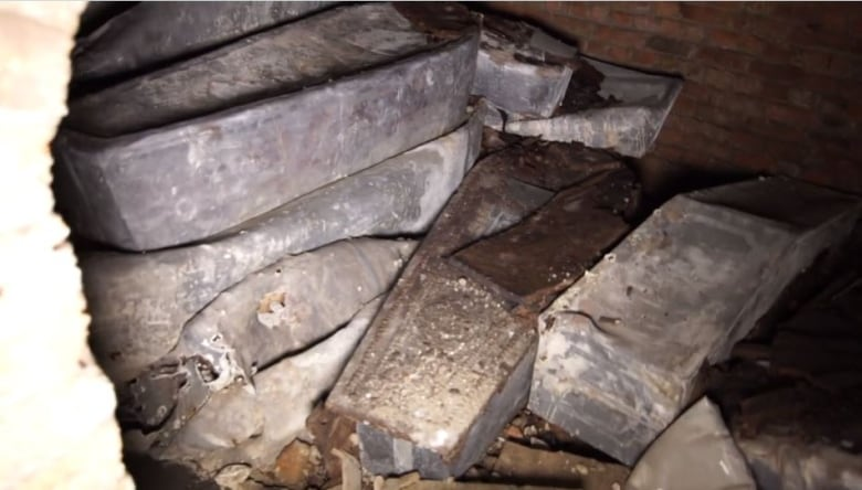 Secret tomb discovered under London museum contains archbishops of