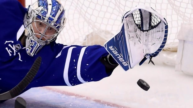 Toronto goalie Frederik Andersen (31) can't stop T.J. Oshie's shot during Washington's four-goal first-period outburst in Game 4 Wednesday.