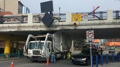 Stuck Truck Centre Street Bridge