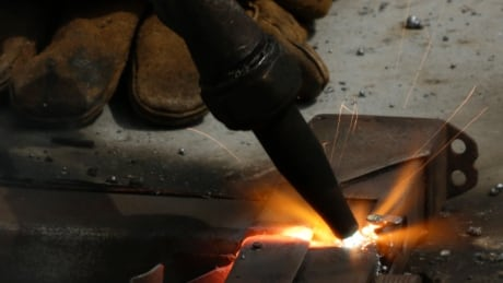 Blow torch cutting gun