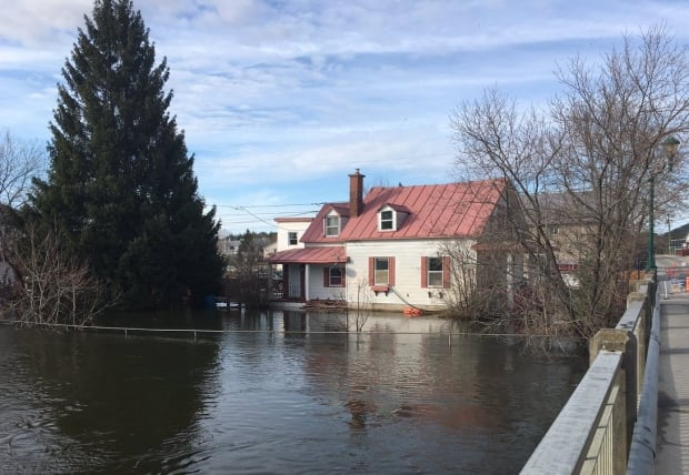 flooding petite-nation river Saint-André-Avellin quebec floods