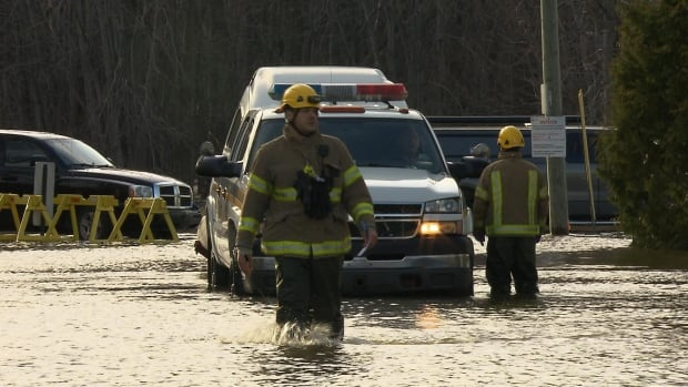 Rising water levels prompted officials in Rigaud, Que., to declare a stare of emergency Thursday. Roads were closed and people were told to leave their homes.