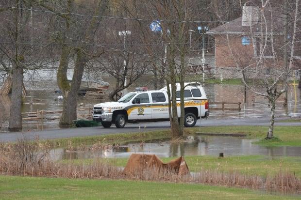 Police Rigaud flooding