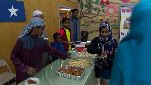 Mosque open-house food