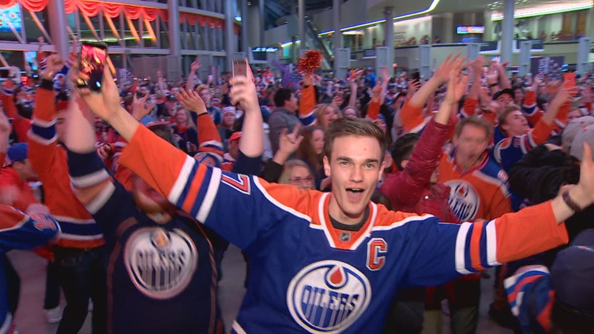 Oilers first-round win sends Edmonton fans into frenzy