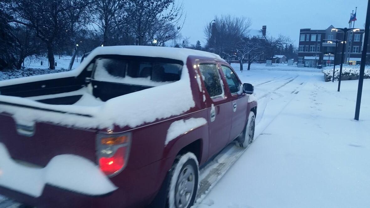 Snow causes major highway trouble in Regina area