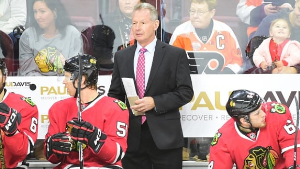 Blackhawks fire assistant coach Mike Kitchen
