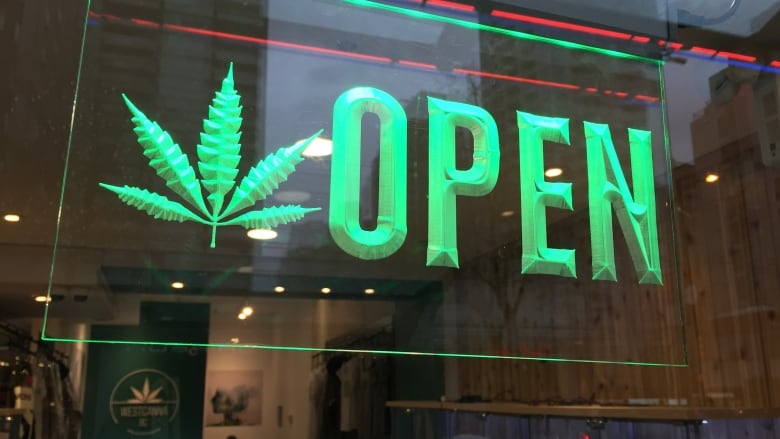 Marijuana is now Legal in Canada (Oct 17, 2018)  - Page 5 Pot-shop