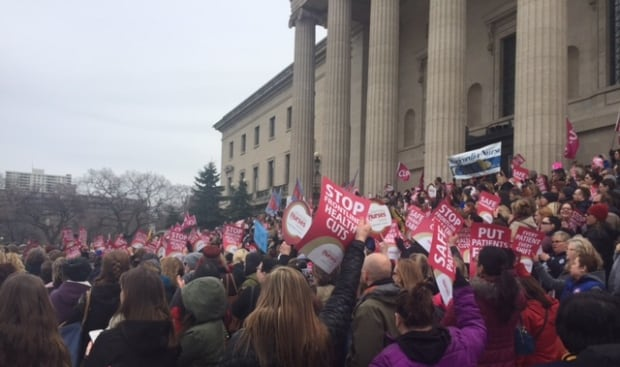 Manitoba Nurses Union protests health-care cuts