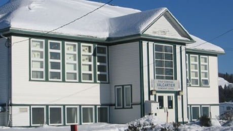 Students moved after sinkhole develops under elementary school in Valcartier, Que.