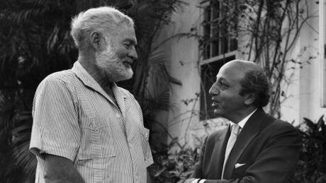 Ernest Hemingway and Yousuf Karsh