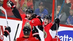Karlsson's late goal gives Senators Game 1 win
