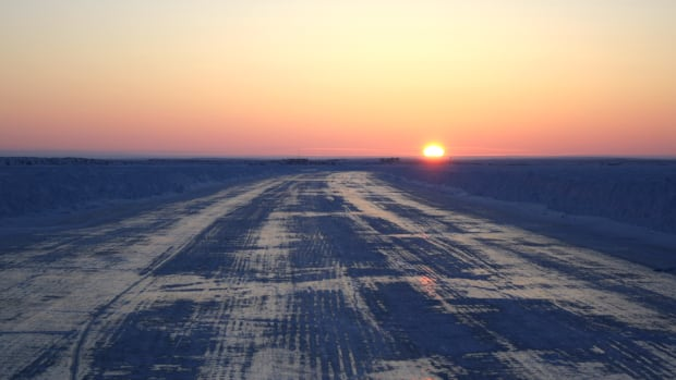 Inuvik to Tuktoyaktuk Ice Road