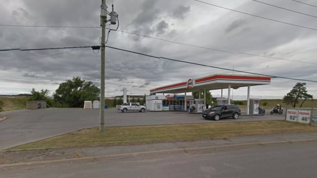 The death of a blood-soaked man who drove to a gas station on the Stoney Creek Mountain last Friday is being investigated as a homicide.