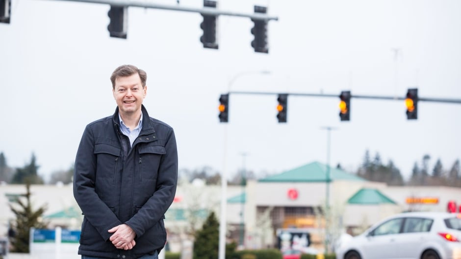 Mats Jarlstrom was fined $500 for billing himself as an engineer while promoting his research on traffic lights.