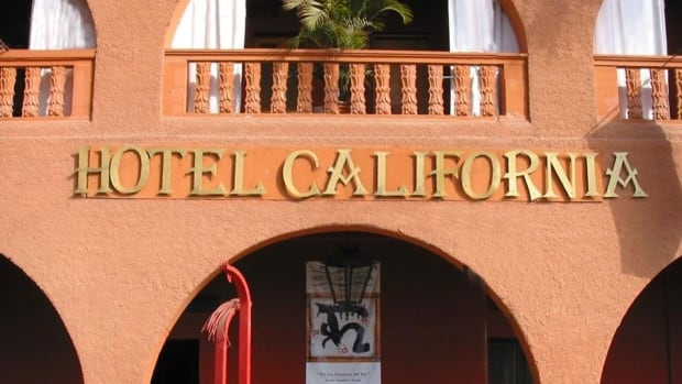 The eagles sue canadians who run mexico 39 s hotel california for Hotel california