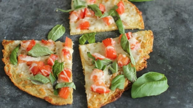 A gluten-free chickpea crust margherita pizza is one of the examples of a food industry trend.