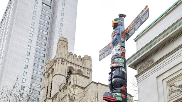 A totem pole carved by B.C. artist Charles Joseph was erected outside the Montreal Museum of Fine Arts. It is part of Montreal's open-air museum.