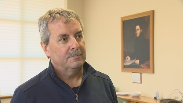 Doctors Nova Scotia's Kevin Chapman says increasing the number of residencies, especially in rural areas, would help attract more Nova Scotians who have trained abroad to practice medicine in the province.