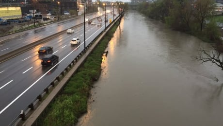 Toronto - Don Valley Parkway flood