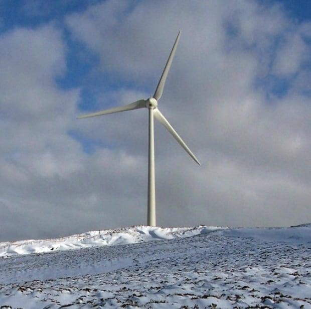 wind tubine winter