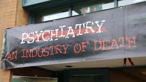 A travelling exhibit titled Psychiatry: An Industry of Death has mental health workers concerned vulnerable people battling addiction could be swayed to avoid seeking treatment.