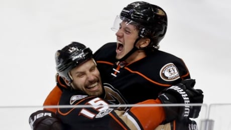 APTOPIX Oilers Ducks Hockey