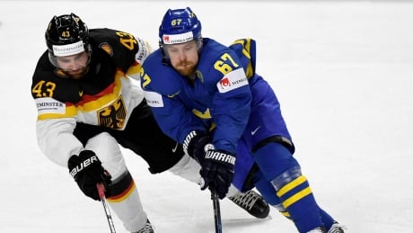 Worlds: Swedes, Czechs Roll To Big Victories At Hockey Worlds