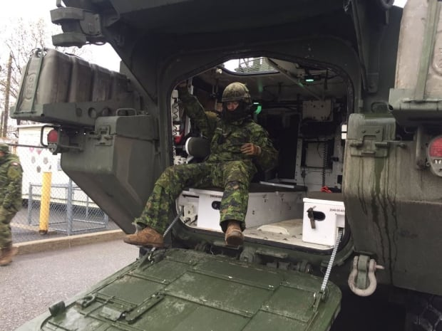 Canadian military arrives in Gatineau to assist in flood relief