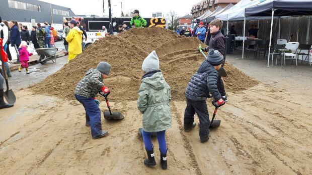 quebec flood kids