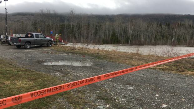 Police believe toddler died in frigid Quebec floodwaters