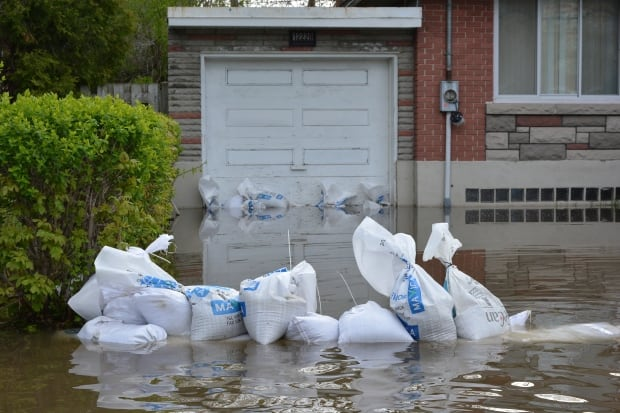 pierrefonds sandbags