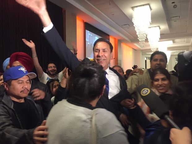 Results a sign voters want parties 'to work together,' Clark says