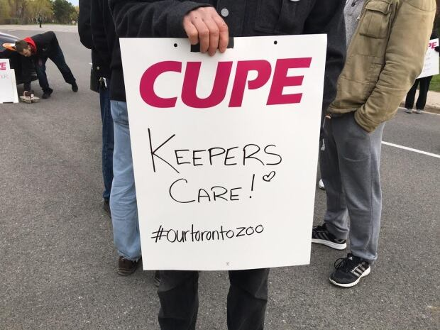 Toronto - Zoo strike