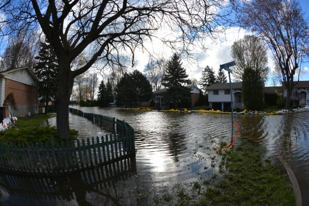 Flooding in Pierrefonds