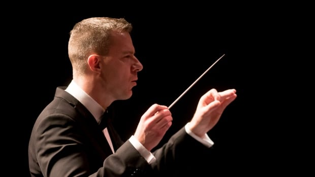Eric Paetkau, the Saskatoon Symphony Orchestra's music director, will lead the SSO in a special all-Canadian concert this weekend. It will also feature the swearing in of about 12 new citizens.