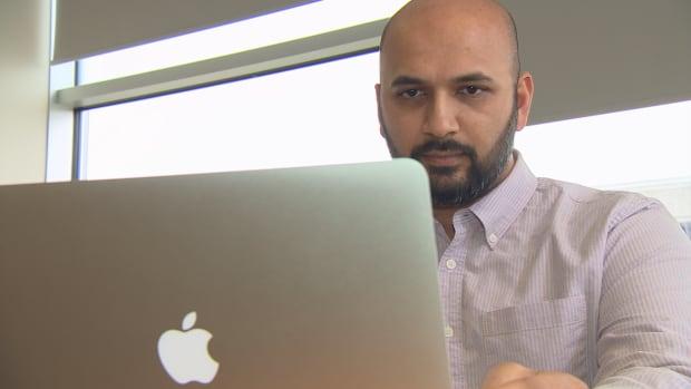 Anshul Singh air Canada aeroplan travel blogger computer