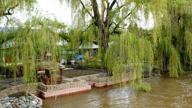 kelowna floods
