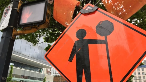 Part of Pembina Highway will be closed from 8 p.m. Friday to 4 a.m. Tuesday.