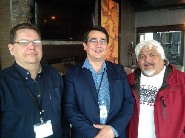 (l-r) Don Davis, Bob Chamberlin, Ted Walkus.