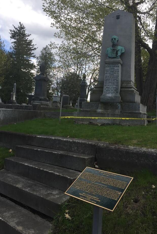 Nicholas Flood Davin grave plaque