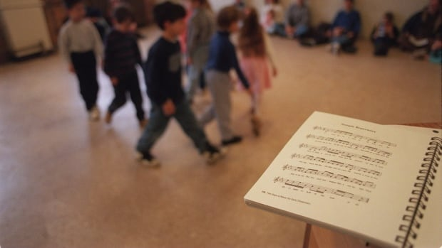 Music education in Ontario is suffering because of a lack of money and qualified specialized music teachers, say some critics of the government's approach to funding.